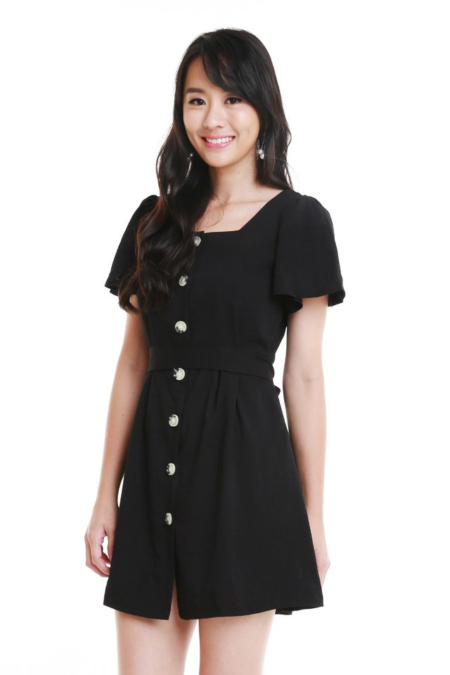 Qristy Button Down Dress In Black
